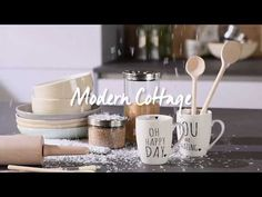 TREND: Modern Cottage – inspirace pro bydlení od XXXLutz - YouTube Modern Cottage, Mugs, Tableware, Kitchen, Youtube, Home, Dinnerware, Cooking, Tumblers