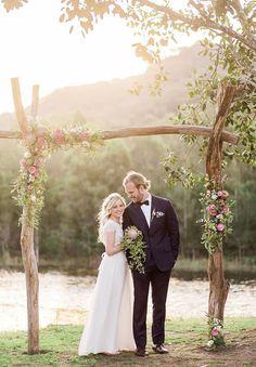 Driftwood Wedding Arbors/Arches by Idonas on Etsy