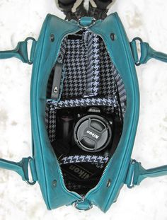 OhGizmo! Review – Jo Totes Stylish Camera Bags | OhGizmo! Would be perfect for travel indtead of carrying an obvious camera bag