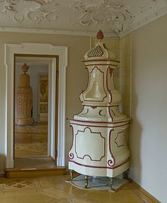 Schloss Hehenaschau: attached to gallery of tile and masonry stoves