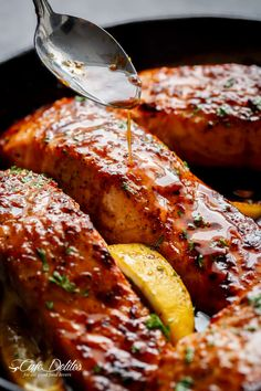 Easy Honey Garlic Salmon is a throw together recipe in one pan and a perfect sw. - Easy Honey Garlic Salmon is a throw together recipe in one pan and a perfect sweet and savoury - Healthy Salmon Recipes, Garlic Recipes, Fish Recipes, Seafood Recipes, Cooking Recipes, Pink Salmon Recipes, Salmon Steak Recipes, Duck Recipes, Sauce For Salmon