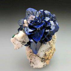 Coloridas rocas y deslumbrantes minerales