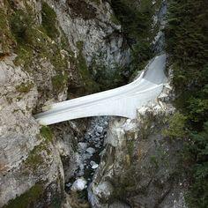 Schaufelschlucht Bridge by Marte.Marte Architects is second in trio of Alpine structures