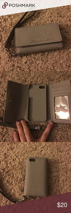 Michael Kors iPhone 5 case, used once. Michael Kors iPhone 5 case, used once. Michael Kors Other