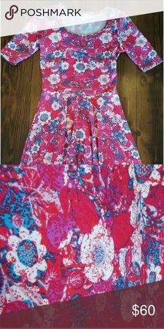 NWT- LulaRoe Nicole Dress Gorgeous Print. LuLaRoe Dresses