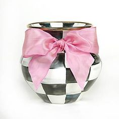 Surprise your sweetheart with our Courtly Check Enamel Vase with Pink Bow. Add a beautiful bouquet or fill it with chocolates! #valentinesday