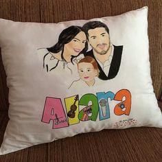 #ebrugundes #yastik #pillow #yastık #boyama #handmade #kumasboyama Reusable Tote Bags, Throw Pillows, Toss Pillows, Cushions, Decorative Pillows, Decor Pillows, Scatter Cushions