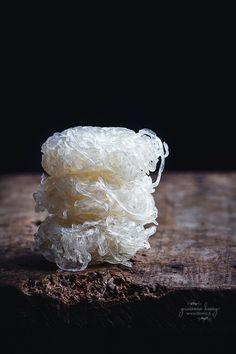 Le 10 vavrietà di noodles asiatici più conosciute: ramen, wonton noodles (egg noodles) soba, somen, udon, spaghetti di riso, tagliatelle di riso, spaghetti di soia, jap che, shirataki.