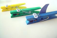 Many children with tactile sensitivity have fine motor delays. This cute craft from @MakeDoAndFriend gives kids a great excuse to work on finger strengthening! Pinned by SPD Blogger Network. For more sensory-related pins, see http://pinterst.com/spdbn