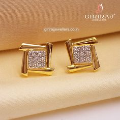 Look Gorgeous In This Bold Gold And Diamond Stud Earring. Diamonds Are Excellently Cut For Extra Glitter While The Smooth Finish Of Gold Is Giving Superior Shine. Jewelry Design Earrings, Gold Earrings Designs, Ear Jewelry, Designer Earrings, Gold Jewelry, Real Diamond Earrings, Gold Mangalsutra Designs, Antique Jewellery Designs, Jewelry Model