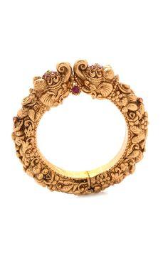 Jewelry Design Earrings, Gold Earrings Designs, Gold Bangles Design, Gold Jewellery Design, Gold Temple Jewellery, Gold Jewelry, Gold Bracelets, Crystal Jewelry, Jewelry Art