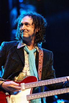 Mike Campbell of Tom Petty and the Heartbreakers by musicisentropy, via Flickr