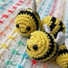 free crochet amigurumi bee pattern