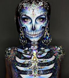 Are you looking for some scary and unique Halloween makeup ideas? Look at our gallery. We have handpicked shocking makeup looks for Halloween Women Halloween Skeleton Makeup, Unique Halloween Makeup, Pretty Halloween, Cool Halloween Costumes, Halloween 2018, Professional Halloween Makeup, Pretty Skeleton Makeup, Skeleton Costumes, Women Halloween