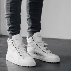 210 Stylish Sneakers For Men - GoodWear Casual Sneakers, Sneakers Fashion, Fashion Shoes, Mens Fashion, Classic Sneakers, Men's Shoes, Shoe Boots, Shoes Sneakers, Capsule Wardrobe