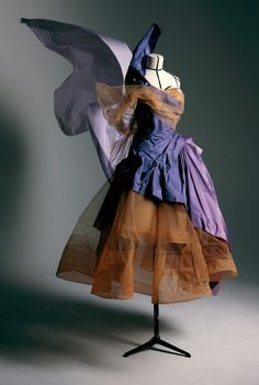 Galliano for Dior, fall winter 2005, Haute couture, Victorie dress