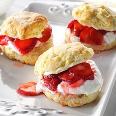 Strawberry Lemon Shortcake Recipe -I love a good strawberry shortcake, but this recipe is my favorite by far. The citrus zest in the dough adds a refreshing zip to the sweet dessert. Strawberry Dessert Recipes, Strawberry Shortcake Recipes, Lemon Desserts, Köstliche Desserts, Delicious Desserts, Shortcake Recipe Easy, Easter Desserts, Brownie, Baking Recipes