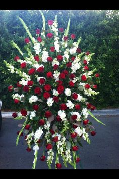 45 Beautiful Funeral Arrangements Ideas Easy To Make It 0836 Funeral Floral Arrangements, Large Flower Arrangements, Flower Centerpieces, Flower Decorations, Church Flowers, Funeral Flowers, Casket Flowers, Funeral Sprays, Casket Sprays