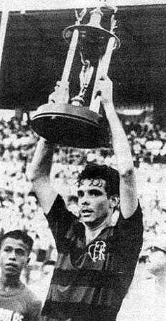Jayme Valente - 1965 - o zagueiro fez dupla com Ditão e foi Campeão Carioca em 65. Jogou 161 jogos