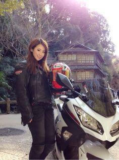 2月28日にバイク雑誌『レディース バイク』が発売されました(o^^o)全国各地のバイクレディがいろいろとクローズアップされています♪【連載/私たち、バイクレ…