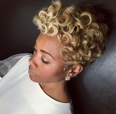 Lovely blonde pin curls by @khimandi - https://blackhairinformation.com/hairstyle-gallery/lovely-blonde-pin-curls-khimandi/