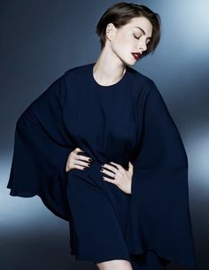 「我最近發生了一件令人尷尬的小故事」,Anne Hathaway 真的是一名可愛的傻大姐 ‧ A Day Magazine