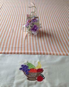 Toalha de mesa bordada frutas
