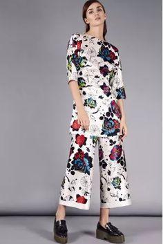ef77299989eaf Cute White   Floral Capri Pants Capri Pants FLOW COLLECTION