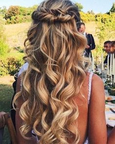 Partial updo wedding hairstyle - half up half down hairstyle