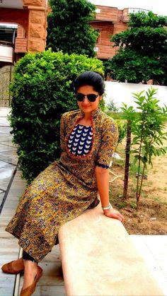 Best 12 anokherang's Polka Dot Checkered Yoke Straight Kurti with Pants – SkillOfKing. Salwar Neck Designs, Kurta Neck Design, Kurta Designs Women, Dress Neck Designs, Designs For Dresses, Blouse Designs, Printed Kurti Designs, Simple Kurti Designs, Salwar Pattern