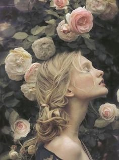 Beautiful women look amazing with flowers. If you do not believe it, check out the pictures of 15 women with flowers. They look so romantic! Portrait Photography, Fashion Photography, Beauty Photography, Beautiful Woman Photography, Ethereal Photography, Profile Photography, Pinterest Photography, Learn Photography, Fantasy Photography