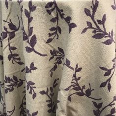 Mauve leaf tablecloth