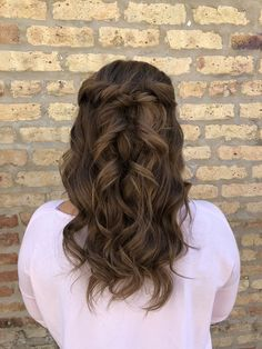 this gorgeous client is serving up some major hair inspiration | hairstyle by goldplaited | wedding hairstyles | half up half down hairstyle with waves | wedding #weddinghair