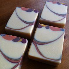 Kukuinuß-Seife, gefärbt mit Eisenoxiden