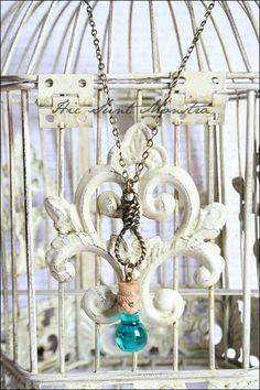 Acqua di Vita - collana con mini ampolla in vetro e cappio in bronzo : Collane di hic-sunt-monstra