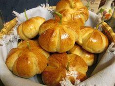 Tök jó joghurtos zsemle » Balkonada péksütemény recept Bread, Recipes, Food, Halloween, Brot, Recipies, Essen, Baking, Meals