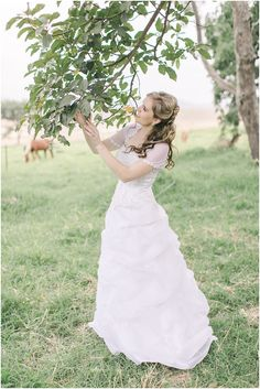 The best and most beautiful things in this world cannot be seen or even heard, but must be felt with the heart. Farm Wedding, Most Beautiful, Wedding Dresses, Photography, Fashion, Bride Dresses, Moda, Bridal Gowns, Photograph