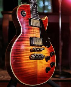 Happy #Gibsunday! Heres a stunning 1979 Les Paul from our friend (and @jessicalynnmusic guitarist) @stalach WOW! #lespaul #vintagelespaul #gibson #gibsonlespaul #studio33guitar