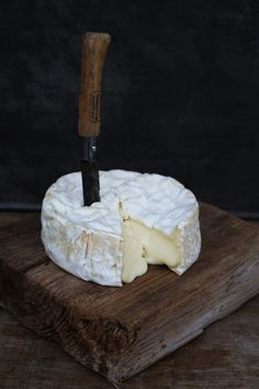 Check Out These Simple Cooking Tips! Fromage Aop, Fromage Cheese, Queso Cheese, Camembert Cheese, Milk And Cheese, Wine Cheese, Gourmet Cheese, Cheese Food, Gula