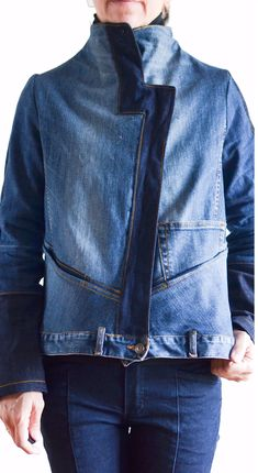 Diy Jeans, Jeans Refashion, Zerschnittene Shirts, Cut Up Shirts, Band Shirts, Denim Coat, Recycled Fashion, Recycled Denim, Jean Outfits