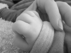 Cute Baby Girl Pictures, Boy Pictures, Girly Pictures, Cute Girl Photo, Cute Little Baby, Baby Love, Cute Babies Photography, Cute Funny Babies, Foto Baby