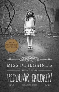 Miss Peregrine's Home for Peculiar Children Miss Peregrine's Home for Peculiar Children by Ransom Riggs I found this book very interesting. Miss Peregrine's Home for Peculiar Children is about a boy. Comic Shop, Ya Books, I Love Books, Great Books, Good Books For Tweens, Books To Read In Your Teens, Tim Burton, Miss Peregrine's Peculiar Children, Creepy Children