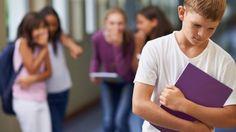 Учительница объяснила школьные издевательства на примере двух яблок фото