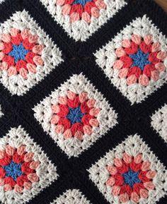 #grannysquare #grannyblanket #crochetaddict #crochetersofinstagram #crochetconcupiscence #crochetsquare #crochetgirlgang #crochetstyles #grannysquaresrock #handcrafted #madewithlove #örgü