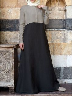 Zipped Color Block Abaya Within the last 30 years, the evolution of fashion has been Muslim Gown, Muslim Long Dress, Abaya Designs, Kurta Designs Women, Mode Abaya, Mode Hijab, Abaya Fashion, Women's Fashion Dresses, Muslim Women Fashion
