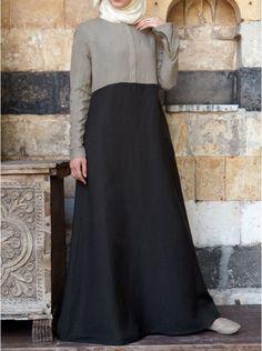 Zipped Color Block Abaya Within the last 30 years, the evolution of fashion has been Muslim Gown, Muslim Long Dress, Mode Abaya, Mode Hijab, Abaya Designs, Kurta Designs Women, Abaya Fashion, Fashion Outfits, Women's Fashion