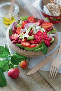 Recette : une salade d'avocat et de fraises - Marie Claire Idées
