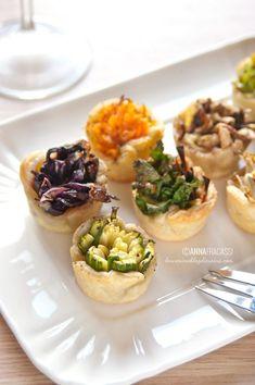 Mini bicchierini di pasta brisée e mix di verdure: veggie finger food