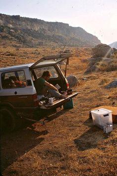 Toyota Land Cruiser - Car camping