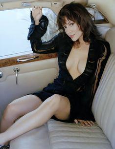 sexy-alyssa-milano-pussy-workout-sex-gifs